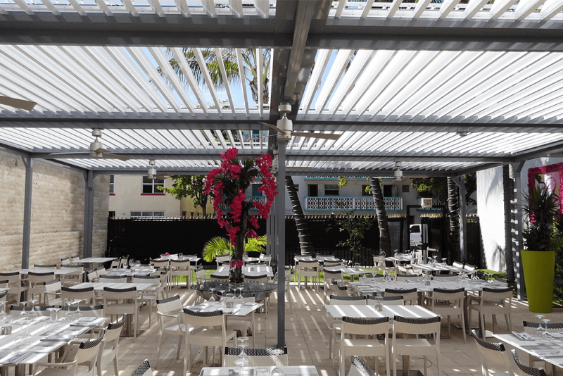 Struxure Roof, Commercial Setting - Dining