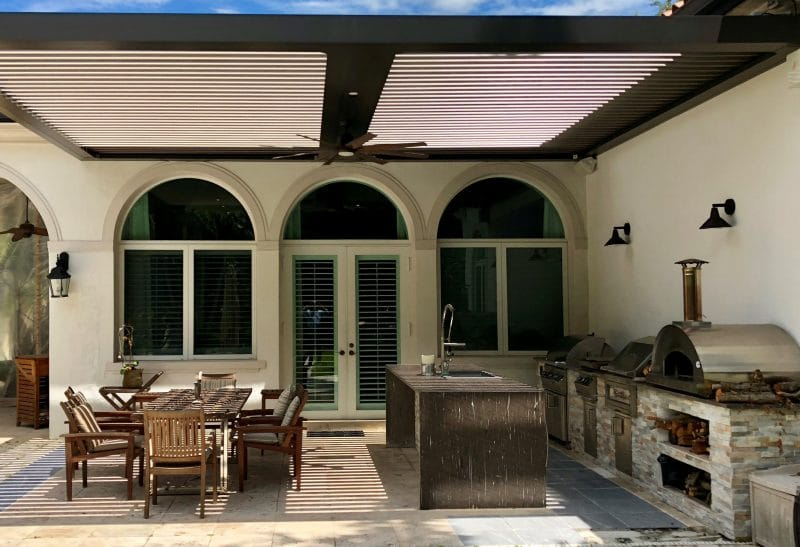 Struxure Louvered Pergola, Residential Grade - Outdoor Kitchen